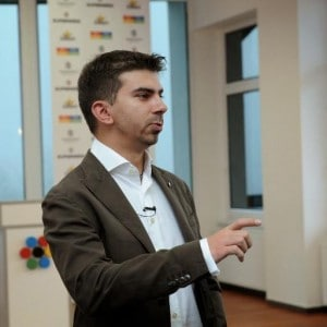 Il Googler Gary Illyes (foto da www.milosbelcevic.me)