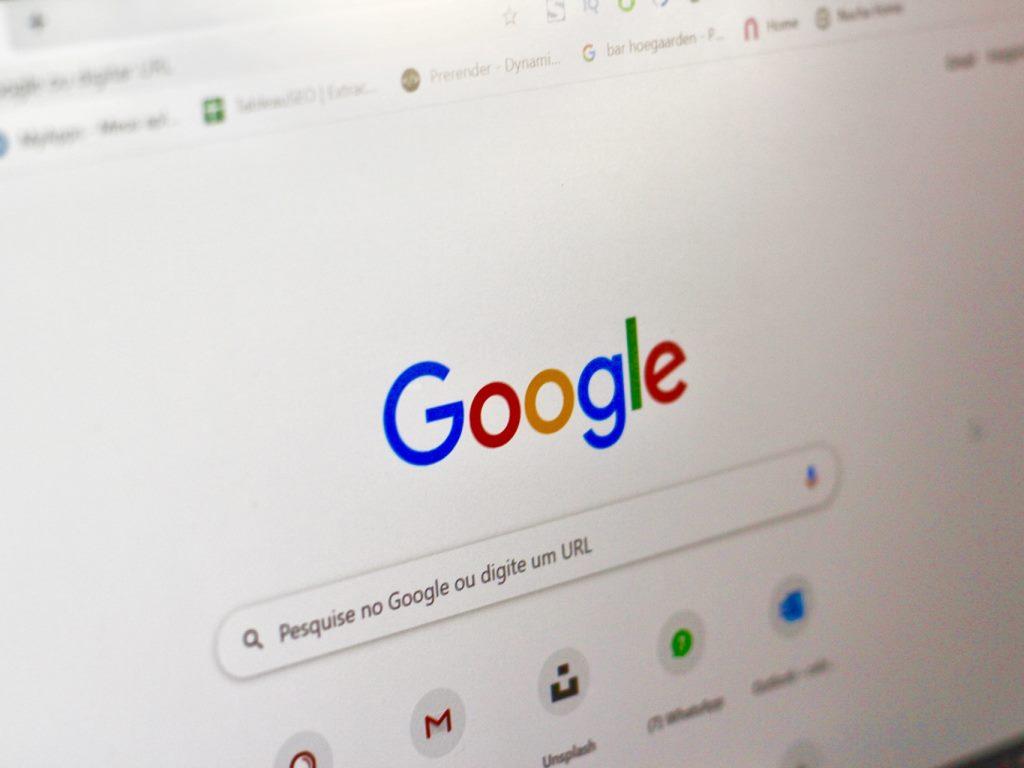 Guida per cercare su Google con altre impostazioni di località
