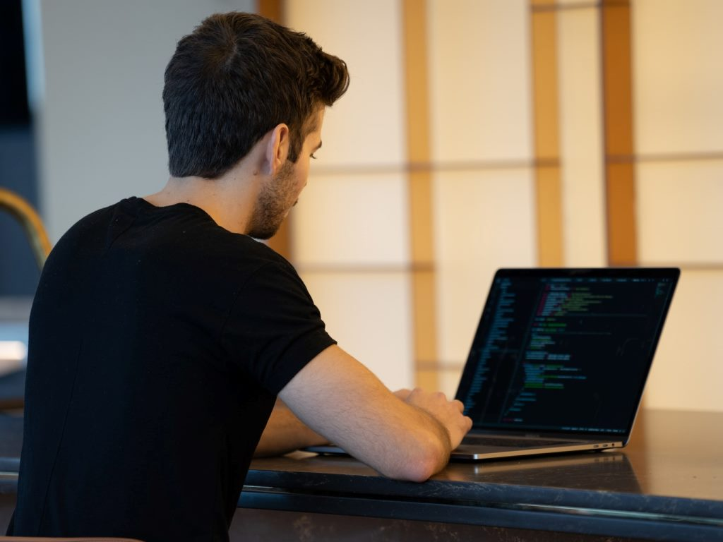 Il lavoro per ottimizzare il sito per i Segnali essenziali del Web