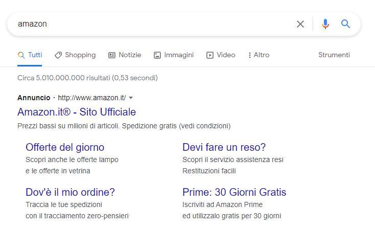 Schermata Google per la query Amazon con ADS e sitelink